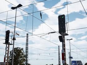 Signals (1)