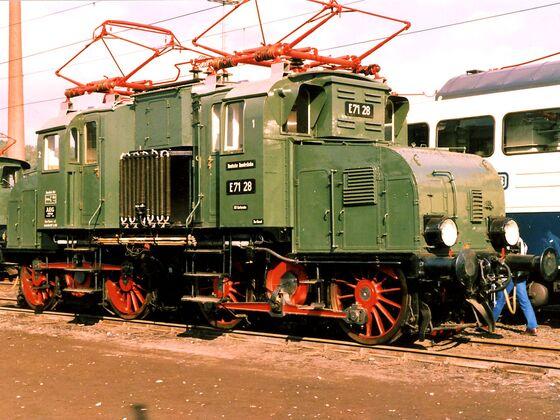 E71 28